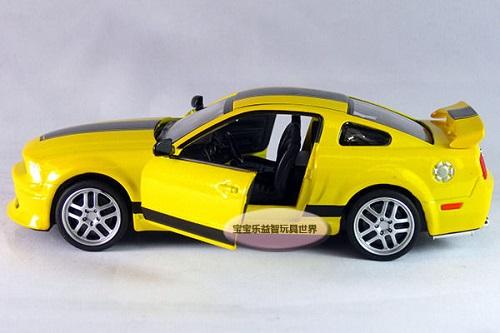 โมเดลรถเหล็ก โมเดลรถยนต์ Ford Mustang GT 4