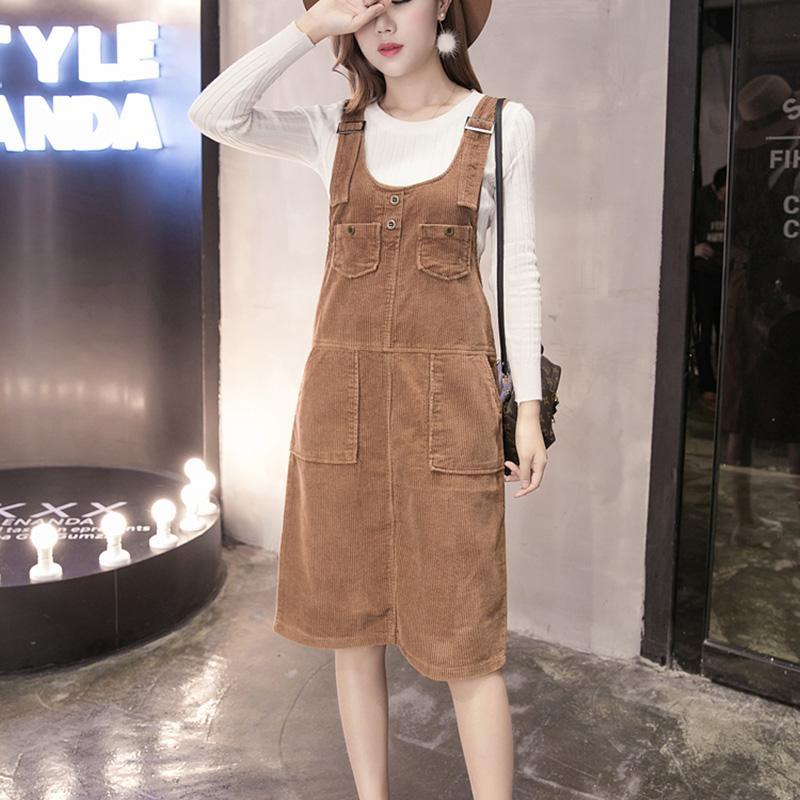 Dress3865-Brown ชุดเอี๊ยมกระโปรงยาวผ้ายีนส์ลูกฟูกเนื้อดีมาก สายปรับความยาวได้ มีกระเป๋าหน้า/ข้างและหลัง ผ่าชายกระโปรงด้านหลังเล็กน้อยเพื่อความคล่องตัว งานดีทรงสวยใส่แล้วน่ารักสุดๆ (สีพื้นน้ำตาล)