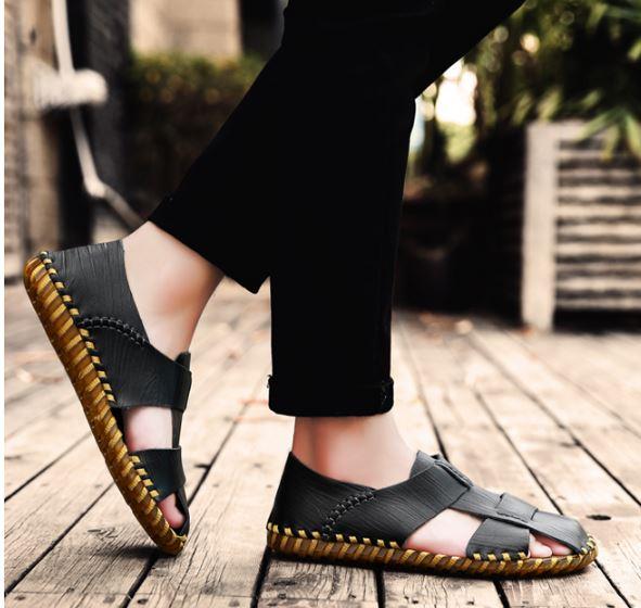 รองเท้าผู้ชาย รองเท้า แบบรัดส้น รองเท้า ใส่เที่ยว รองเท้าหนังแท้ หุ้มส้น ใส่เที่ยว ดีไซน์ ลายไม้ สีดำ สีน้ำตาล ด้านหน้าเปิดระบาย อากาศ สวยเท่ ใส่สบาย 327090