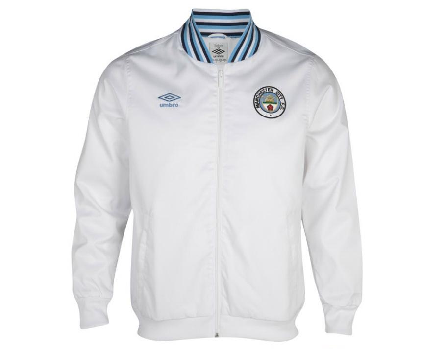 เสื้อ Mancity เสื้อแจ็คเก็ต แมนเชสเตอร์ ซิตี้ สีขาว ของแท้ 100% Manchester City 1350 Classics Ramsey Jacket - White จากอังกฤษ เหมาะสำหรับสวมใส่ เป็นของฝาก ของที่ระลึก ของสะสม ของขวัญแด่คนสำคัญ