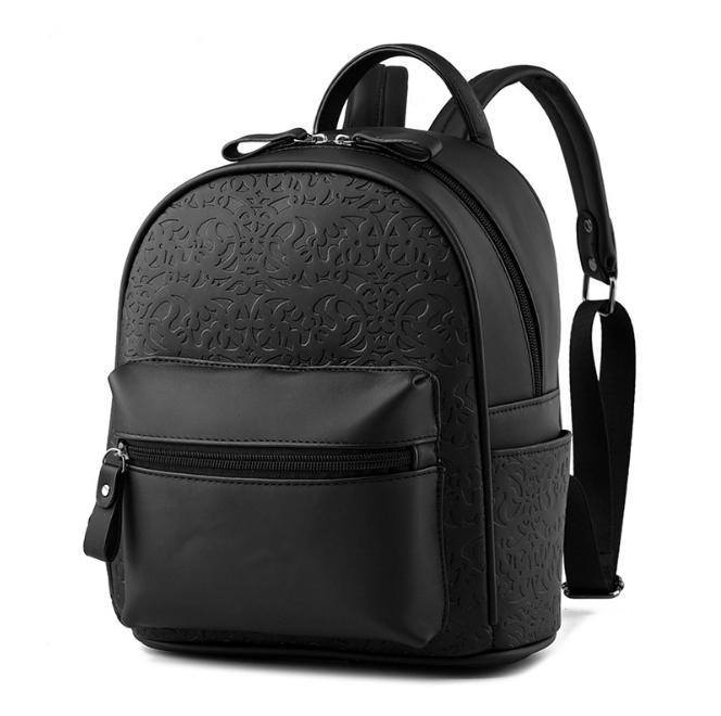 [ ลดราคา ] - กระเป๋าเป้แฟชั่น สไตล์ยุโรป สีดำคลาสสิค ใบกลางๆ ปั้มลายเก๋ๆ ดีไซน์สวยเรียบหรู เหมาะสำหรับสาวๆ ที่ชอบงานมีสไตล์เป็นของตัวเอง