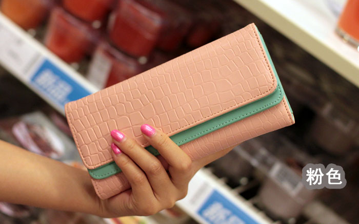 [ พร้อมส่ง ] - กระเป๋าสตางค์แฟชั่น สีชมพู ใบยาว แต่งลายหนังงู ตัดขอบสีชมพู งานสวย น่าใช้มากๆค่ะ