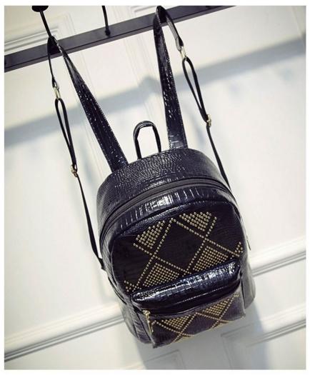 [ ลดราคา ] - กระเป๋าเป้แฟชั่น นำเข้าสไตล์เกาหลี สีดำเงา ปักหมุดสุดเท่ ดีไซน์สวยเก๋ไม่ซ้ำใคร เหมาะกับสาว ๆ ที่ชอบกระเป๋าเป้ น้ำหนักเบามากๆค่ะ