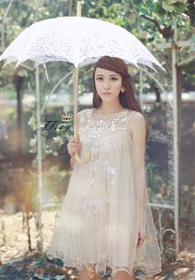 """""""พร้อมส่ง""""เสื้อผ้าแฟชั่นสไตล์เกาหลีราคาถูก Brand Aishikada เดรสสีขาวแขนกุด ทรงปล่อย ด้านในแต่งเลื่อม คลุมผ้าตาข่าย2ชั้น ช่วงบนแต่งลูกปัด"""