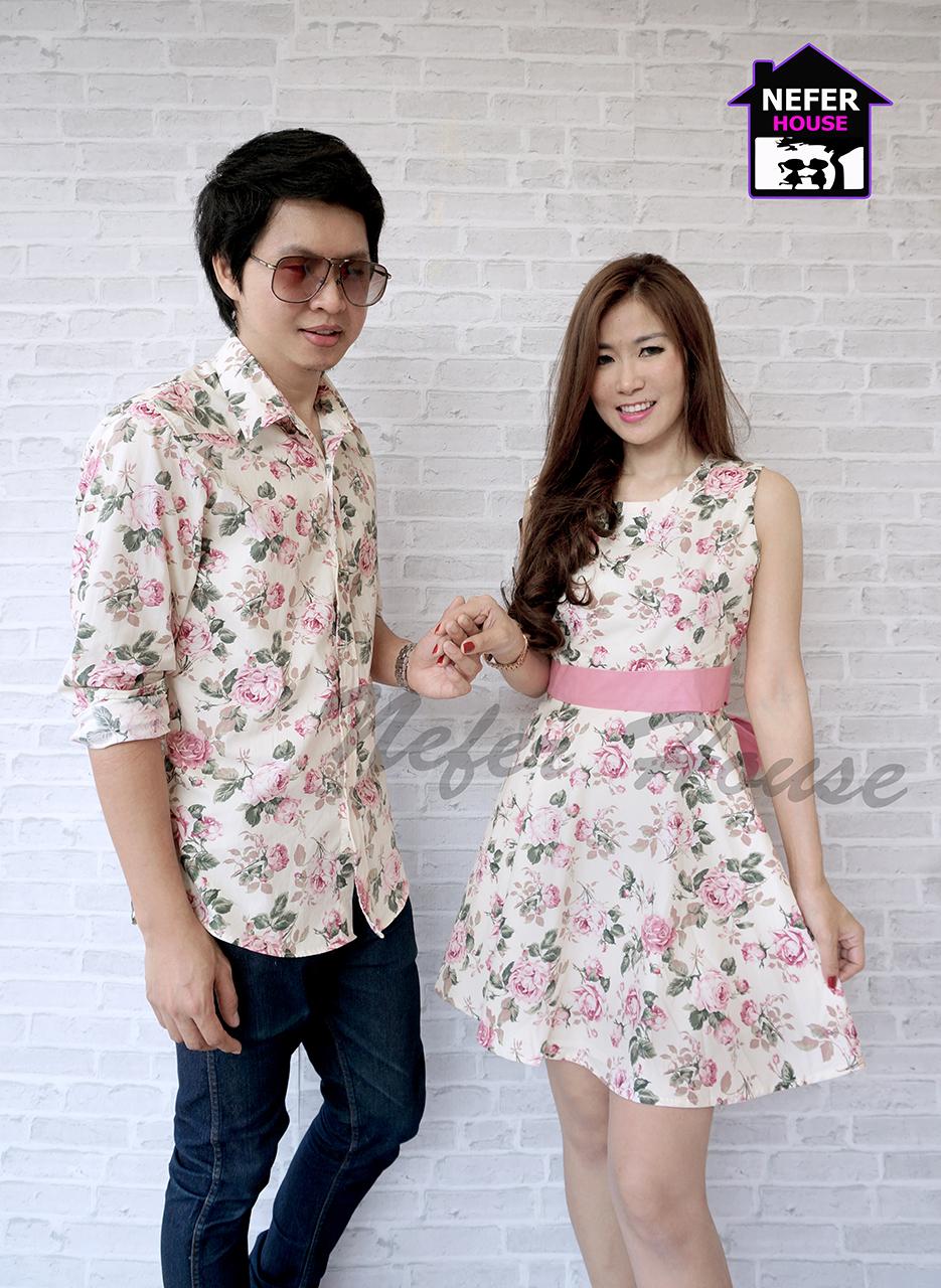 ชุดคู่รักเดรสสวยๆออกงาน ชุดลายดอกสีโทนชมพูหวานๆ