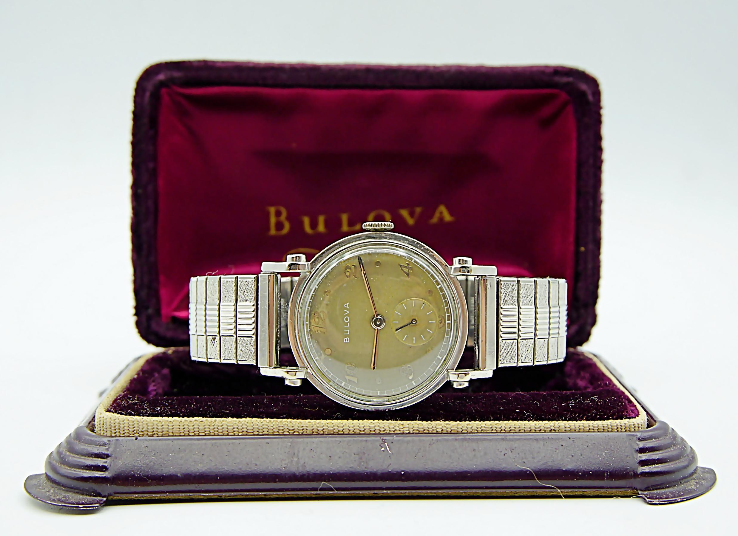 นาฬิกาเก่า BULOVA ไขลานสองเข็มครึ่ง พร้อมกล่อง