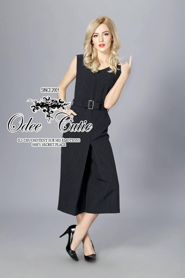 เสื้อผ้าเกาหลี พร้อมส่งจั๊มสูทลายริ้ว เนื้อผ้า polyester100%