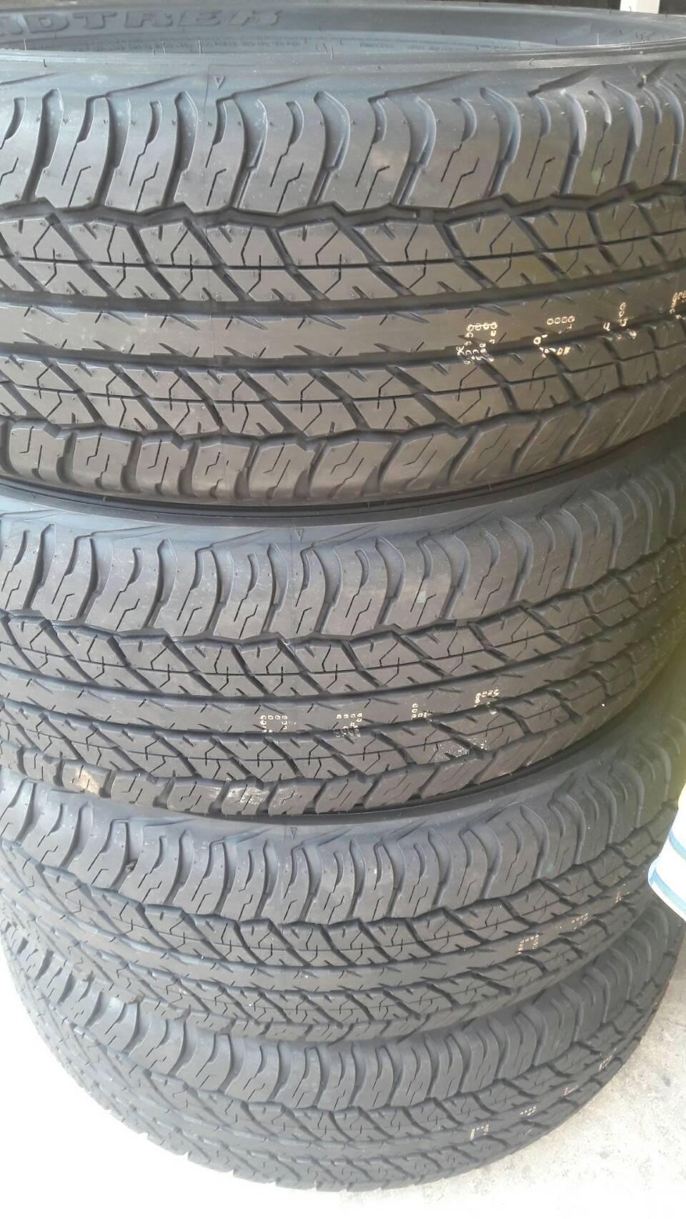 ขายยางใหม่ขนาด 245 R70 16 Dunlop AT20 สัปดาห์ที่ 49 ปี 2017 ราคา 12500 บาท/4 เส้น ราคารวมใส่-ถ่วง
