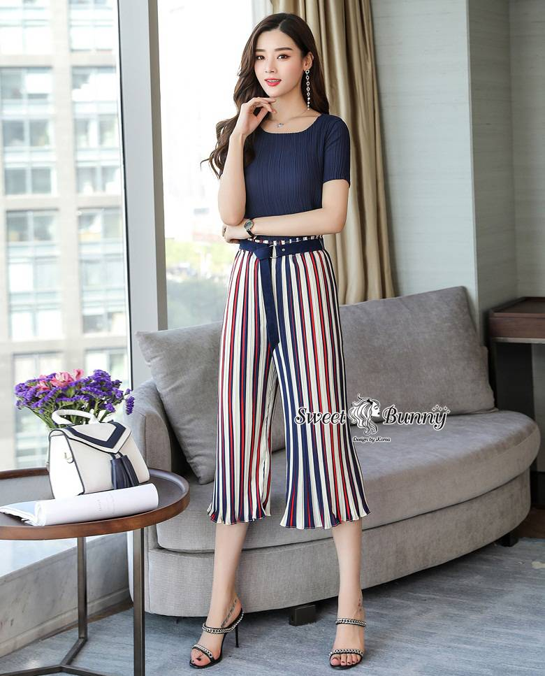 Pleated Blue Pants Set With Belt