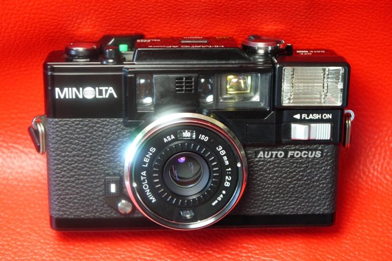MINOLTA HI-MATIC DATE+MINOLTA LENS 38MM.F2.8