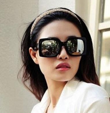 แว่นตากันแดดแฟชั่นเกาหลี กรอบสีเหลี่ยมสีดำด้าน เลนส์กระจก