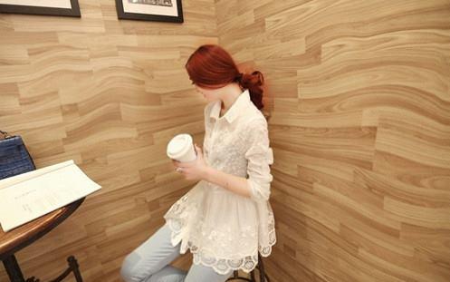 เสื้อเชิ้ตลูกไม้จั้มเอวชายระบายพองลูกไม้ สีขาว(White)