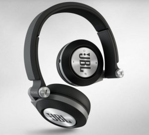 JBL Synchros E40BT (Color Black)