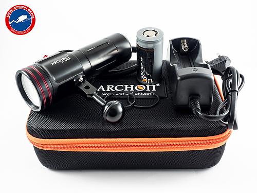 ไฟฉายดำน้ำ Archon W40VR Video Light 2600 lumens สำหรับถ่ายภาพ ถ่ายวีดีโอใต้น้ำ !!!ฟรี Clamp ยึด มูลค่า 950 บาท ทันที