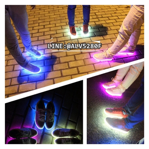 รองเท้า LED SIMULATION SHOES รองเท้ามีไฟ เรืองแสง ไฟเปลี่ยนสี แนวคิดสุดล้ำของ [Yifang Wang X Samuel Yang] YIFANG WAN SHOES มาเติมสีสันและความสนุกให้กับชีวิตและทุกก้าวเดินของคุณด้วย รองเท้าเรืองแสง ไฟ LED ทลายทุกข้อจำกัดของรองเท้าแบบเดิมๆแล้วชีวิตคุณจะสนุกและมีสีสันไปจากเดิมอย่างแน่นอน[2]