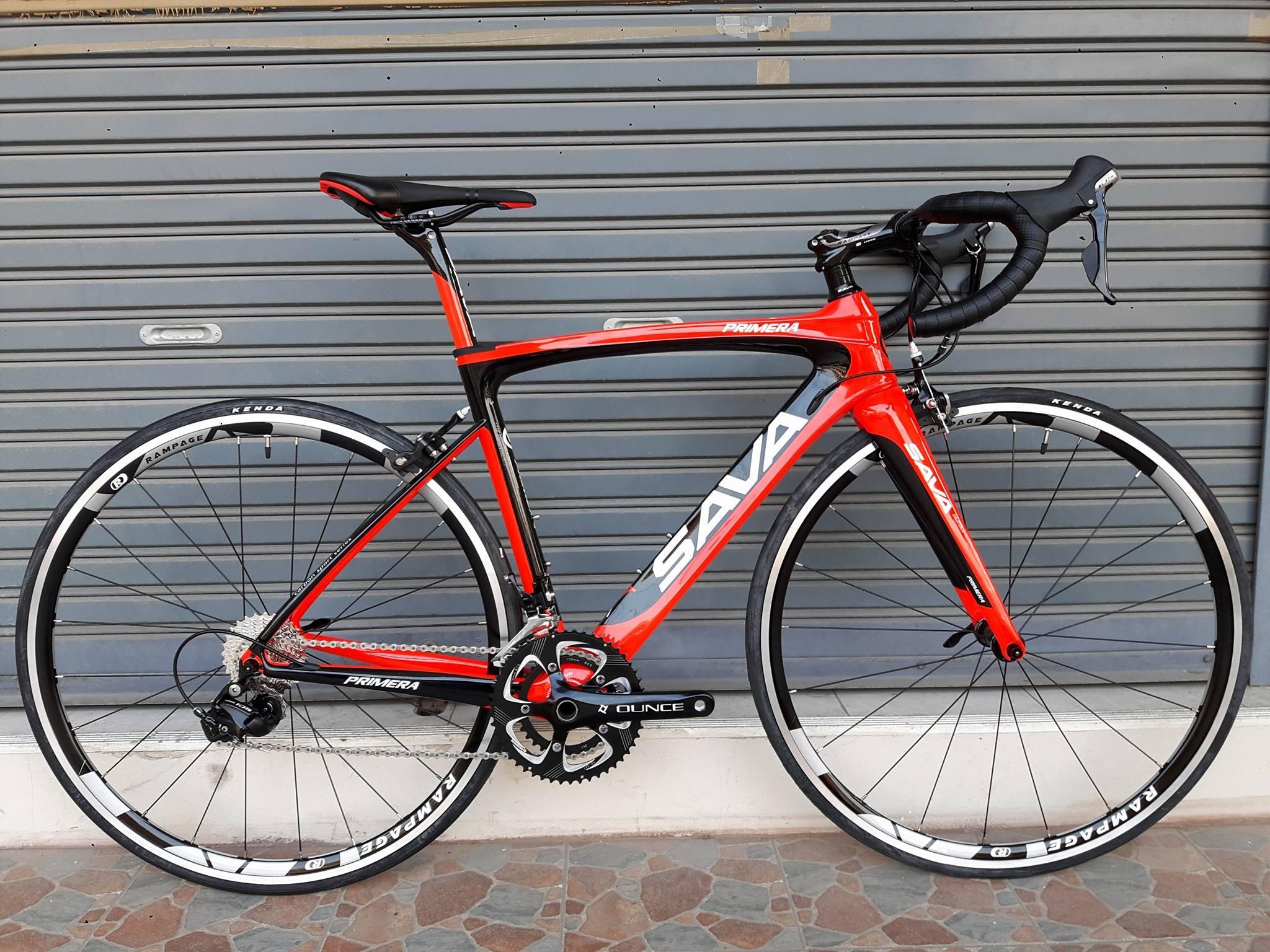 รับสั่งสินค้าล่วงหน้า จักรยานเสือหมอบเฟรม Carbon ทรงแอโร่ Sava รุ่น Primera สีดำแดง หลักอานคาร์บอน ตะเกียบคาร์บอน ชุดขับ Shimano 105 Mix 22 Speed