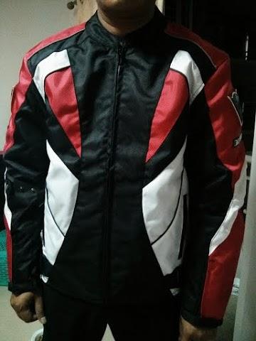 ชุดขี่มอเตอร์ไซค์ เสื้อแจ็คเก็ต เสื้อการ์ดอ่อน DAINESE สีแดง