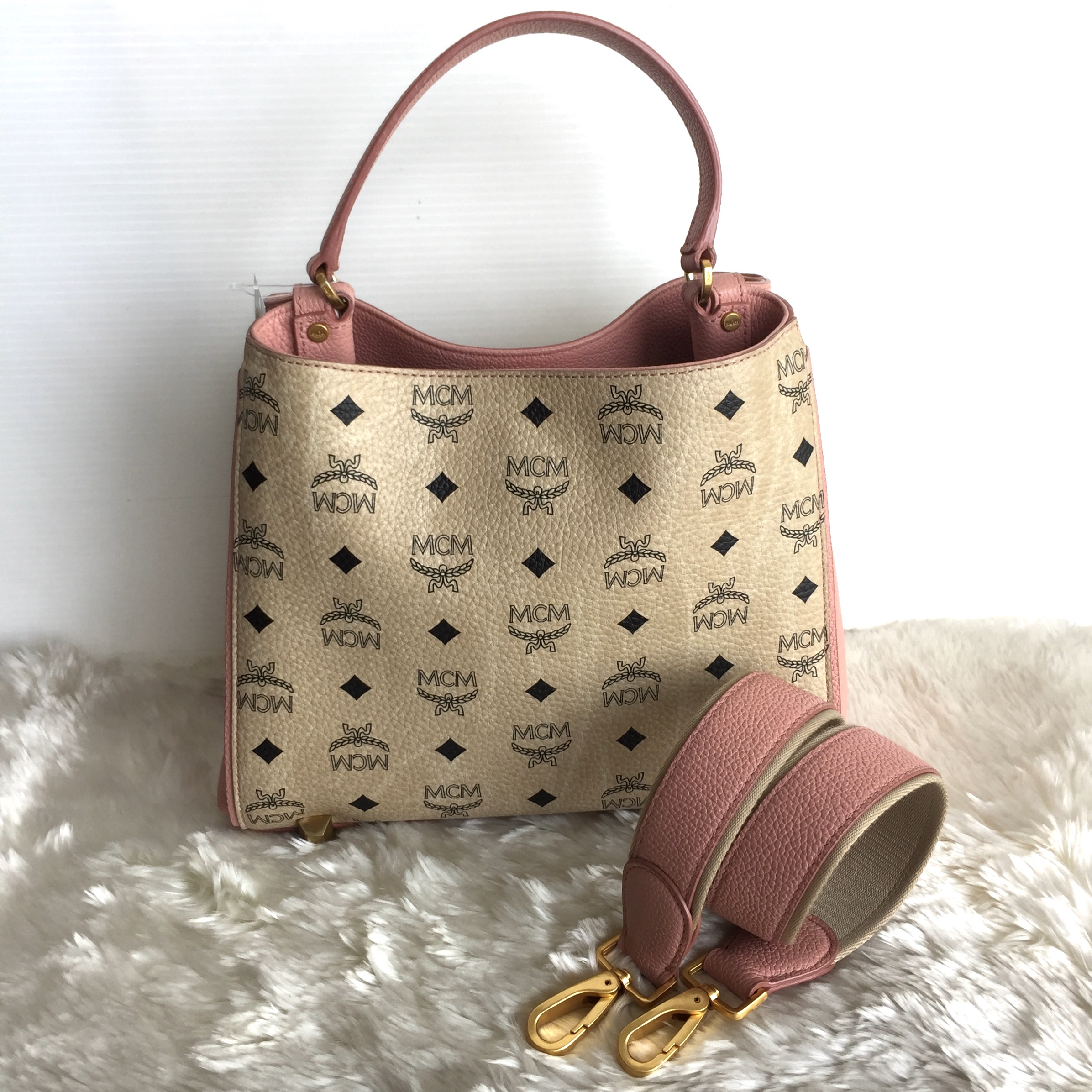 (SOLD OUT)MCM Corina Vesitos size M Pink-beige