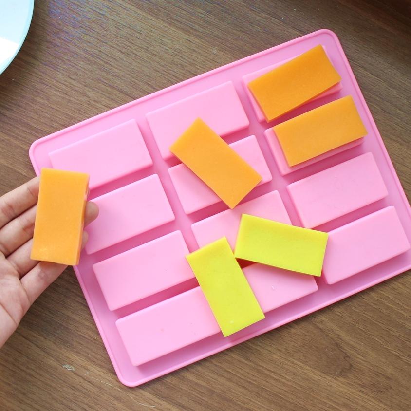 พิมพ์ขนม สี่เหลี่ยมผืนผ้า 20กรัม/ช่อง B628