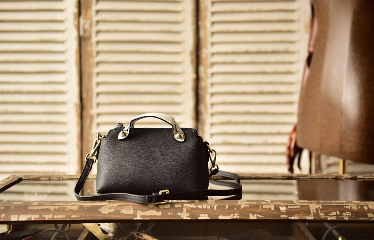 กระเป๋าหนังแท้ MINI