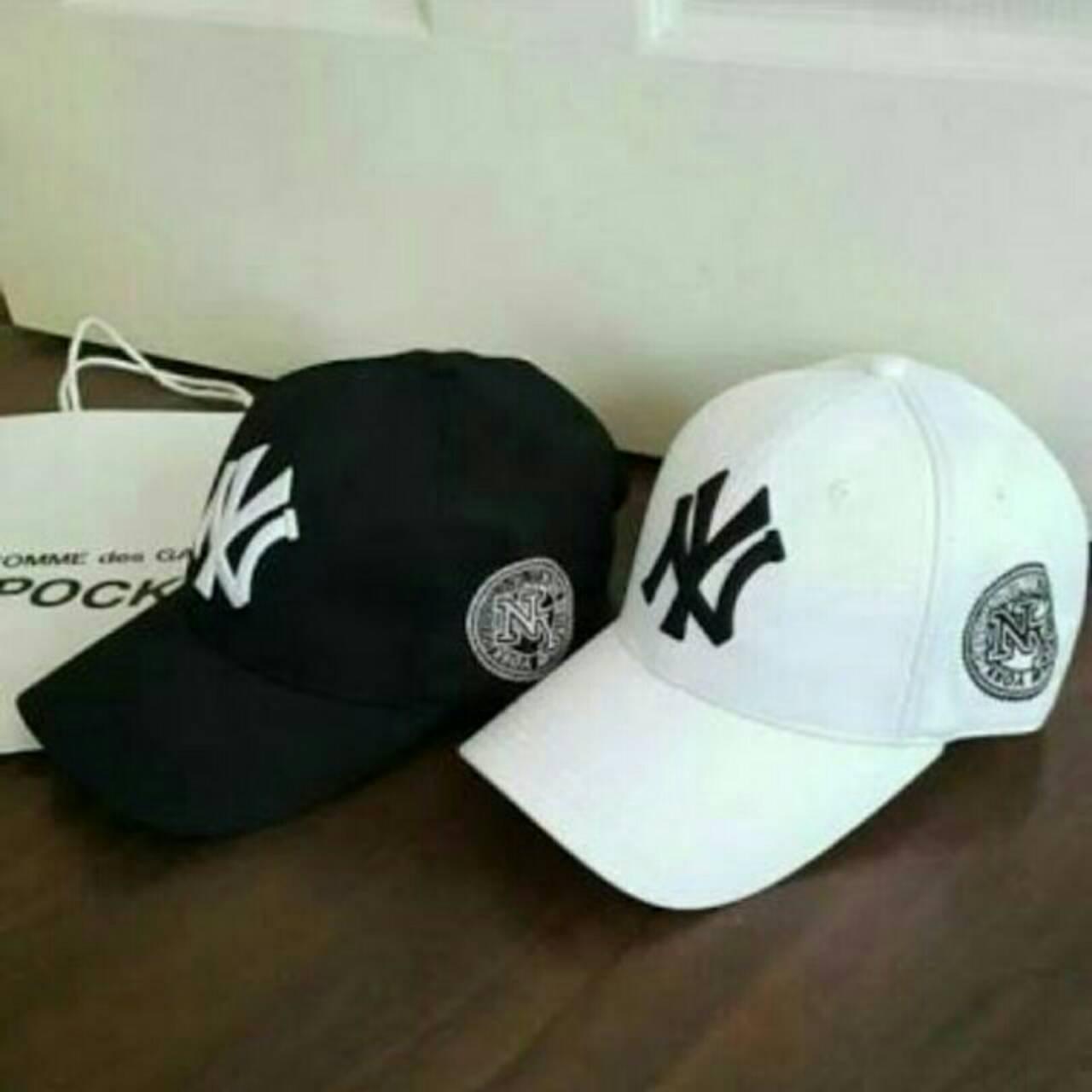 หมวก NY ผ้าหนา อย่างดี ใส่สบาย เกรดพรีเมี่ยม (พร้อมส่งสีขาว/ดำ) ระบุสีที่สั่งมาด้วยนะค่ะ