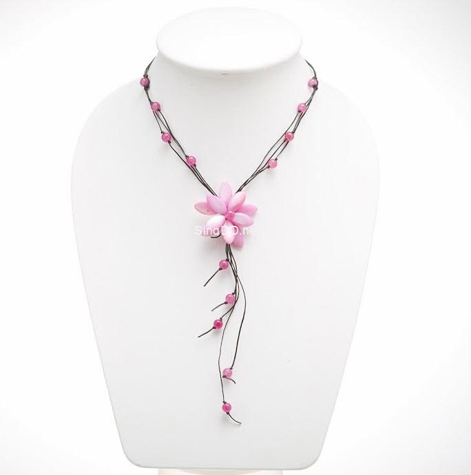 สร้อยคอดอกไม้จากเปลือกหอยแหลม (สีชมพู) ไซต์ S