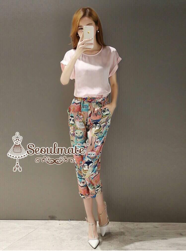 เซตเสื้อกางเกงขา 5 ส่วน- เสื้อสีชมพูหวานแต่งแขนพับมาพร้อมกางเกงลายนกฮูกเอวยืดขากางเกงพับ