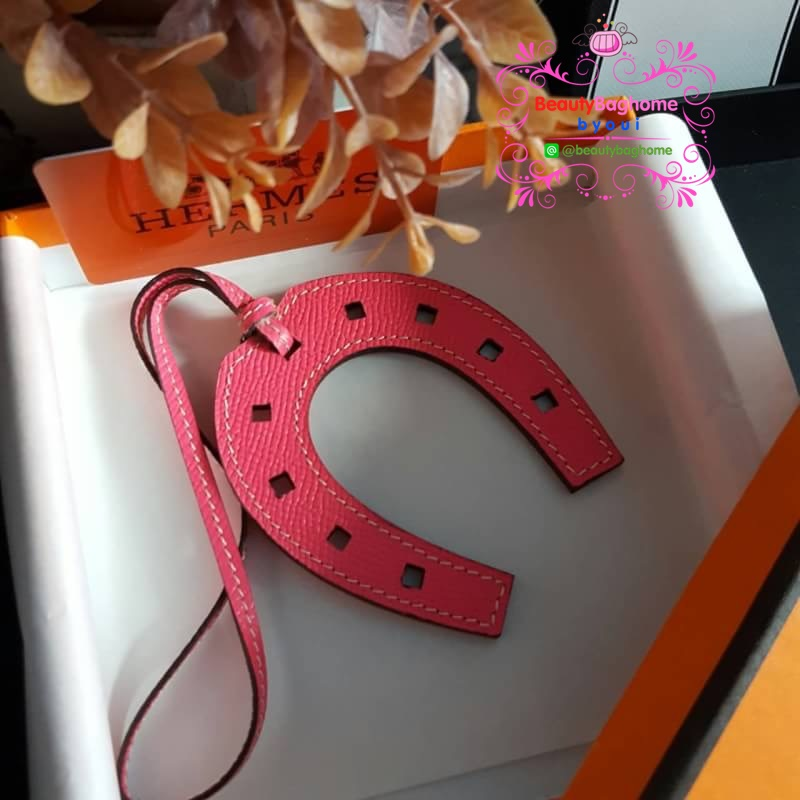 ห้อยกระเป๋า Hermes เกือกม้า งานHiend Hermes charm หนังแท้ งานเนี๊ยบสวยเป๊ะ