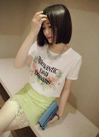 (SALE) เสื้อแฟชั่น ผ้าชีฟอง แขนสั้น ลายromantic สีขาว