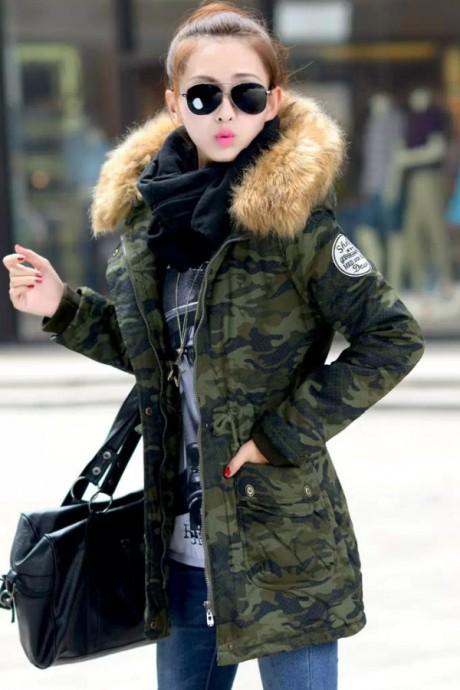 เสื้อกันหนาวผู้หญิง แฟชั่นเกาหลี สีเขียวขี้ม้า แจ็คเก็ตลายพรางทหาร มีฮู้ด มีเฟอร์