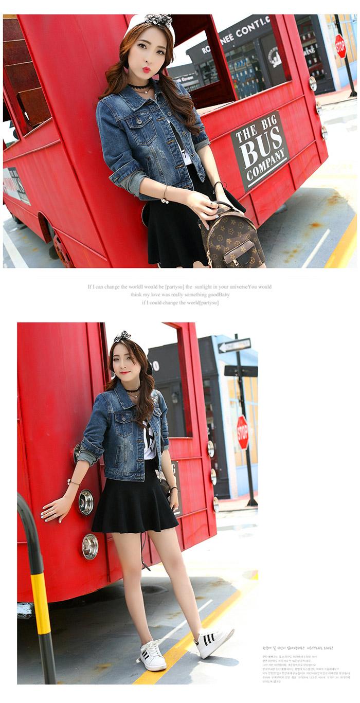 เสื้อยีนส์ผู้หญิง แจ็คเก็ตยีนส์ เสื้อคลุมยีนส์ สีน้ำเงินซีด แขนยาว คอปก แฟชั่นเกาหลี
