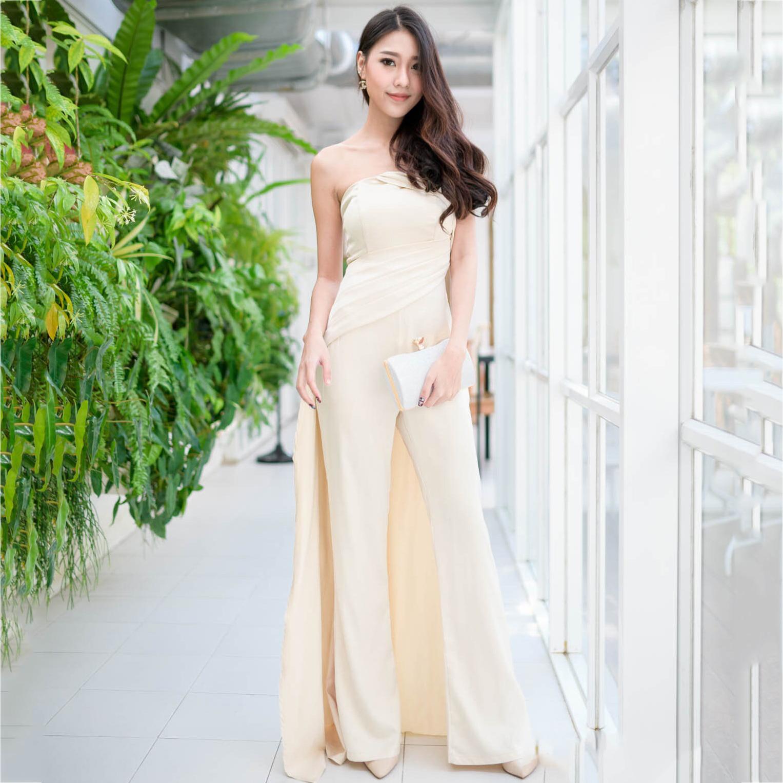 ชุดออกงานแบบกางเกงเกาะอกสีครีมทอง ทรงขาบาน