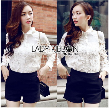 Lady Ribbon Online ขายส่ง เสื้อผ้าออนไลน์ ของแท้ ราคาถูกพร้อมส่ง เลดี้ริบบอน LR18140716 &#x1F380&#x1F380 Lady Ribbon's Made &#x1F380&#x1F380 Lady Blaire Floral Embroidered Lace Shirt in White