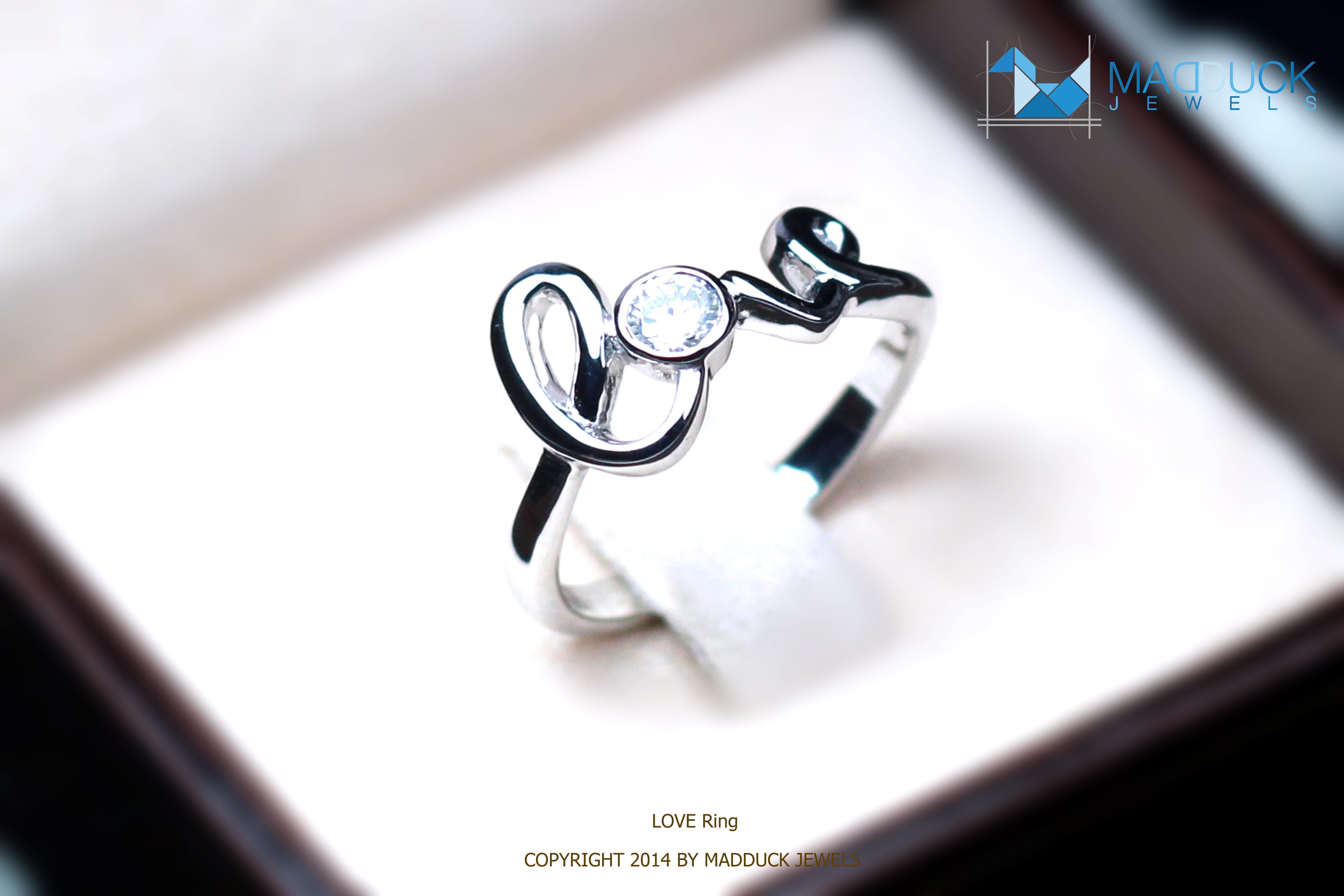 แหวนเงินแท้ เพชรสังเคราะห์ ชุบทองคำขาว รุ่น RG1466 Love