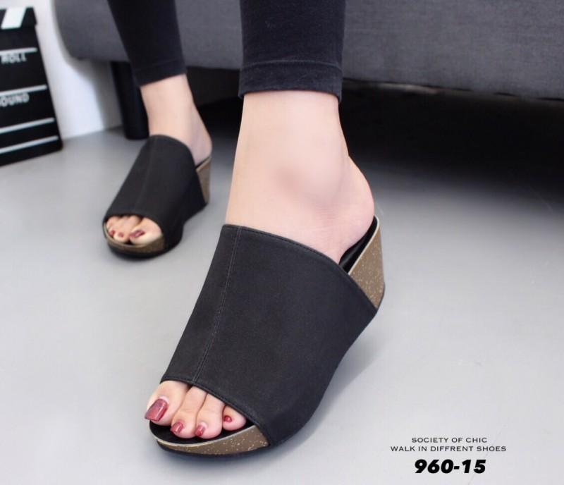 รองเท้าเตารีดเปิดส้นสีดำ ทรงสวม หนังกลับ (สีดำ )