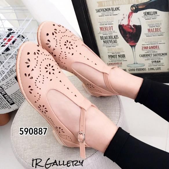 รองเท้าคัทชู ฉลุลาย สไตล์วินเทจ (สีชมพู )