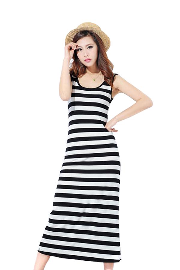 ชุดเดรสกระโปรงยาว ( สีขาว/ดำ )