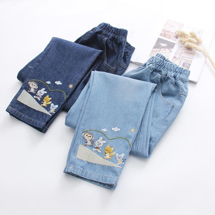 กางเกงยีนส์เอวยืด ปักแต่งลาย (มีให้เลือก 2 สี 3 ไซส์)