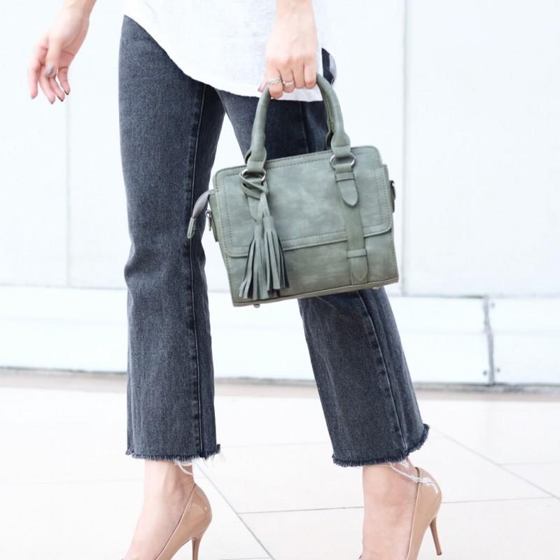 กระเป๋าถือ กระเป๋าสะพายข้างผู้หญิง งานหนังพียู แต่งภู่ [สีเขียว ]