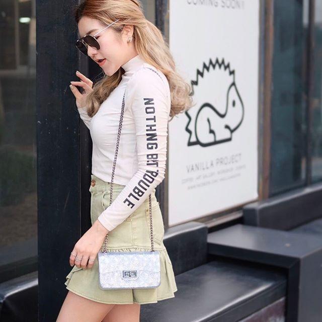 กระเป๋าสะพายแฟชั่น กระเป๋าสะพายข้างผู้หญิง งานสิลิโคนนิ่ม สายโซ่ Mini-Toy [สีเงินกากเพชร ]
