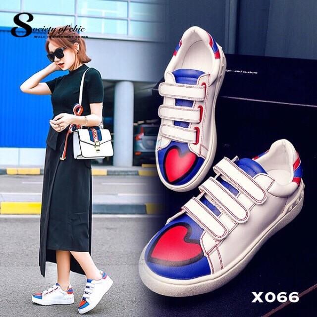 พร้อมส่ง รองเท้าผ้าใบแฟชั่นสีขาว แต่งลายหัวใจ สไตล์เก๋ แฟชั่นเกาหลี [สีขาว ]