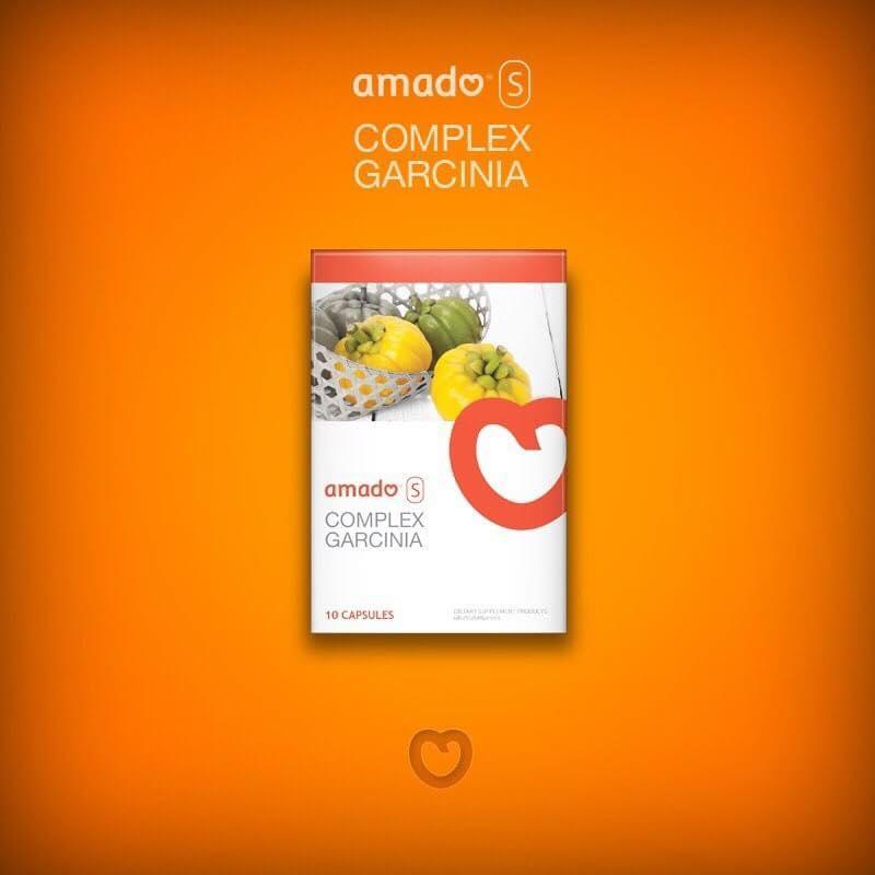 อมาโด้ เอส AMADO S กล่องส้ม (อยากผอมด้วยส่วยผสมธรรมชาติ100%) The orange box (if you want to slim with 100% natural ingredients) – ส่วนผสมทำมาจากธรรมชาติ100% (ส้มแขก, แอปเปิ้ล, ไฟเบอร์, เส้นใยสกัดจากต้นไซเลี่ยมฮักซ์, ผงบุก) – ไม่มีส่วนประกอบอันตรายเจือปน ทานแล้วไม่เบลอ มือเท้าไม่ชา ท้องไม่ร่วง ไม่วูบ ไม่บิดใส้ – ช่วยลดการดูดซึมไขมันที่เป็นสาเหตุให้อ้วน และขับไขมันส่วนที่ไม่ใช้ออกด้วยการขับถ่าย – ขับไขมันออกตามจริง เท่าที่ทานอาหารที่มีไขมันเข้าไป ขับเฉพาะไขมันที่เป็นส่วนเกินออกมา ส่วนที่ร่างกายต้องใช้จะไม่ถูกดึงออกมาหมด ทำให้ไม่โทรมอีกด้วย – ทานง่ายแค่ 1-2 เม็ดก่อนนอน ตื่นมาขับถ่ายง่ายขึ้น – ใช้ชีวิตได้ปกติ ไม่ต้องแสตนบายหน้าห้องน้ำทั้งวัน ไม่ต้องพกสบู่ไว้ล้างคราบมัน กลิ่นอุจาระไม่เหม็นหืน