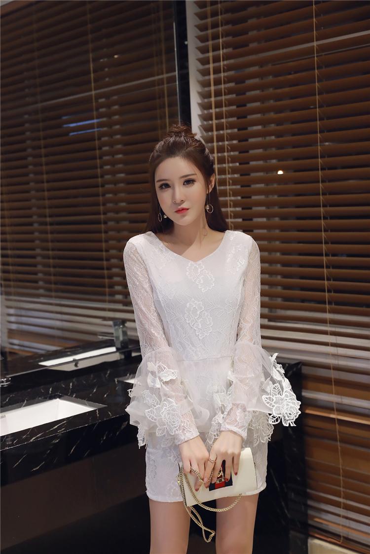 ชุดลูไม้ออกงานสีขาวสวยๆ