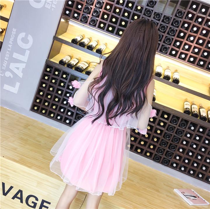 ชุดเดรสแฟชั่นเกาหลีสีชมพูสวยๆ