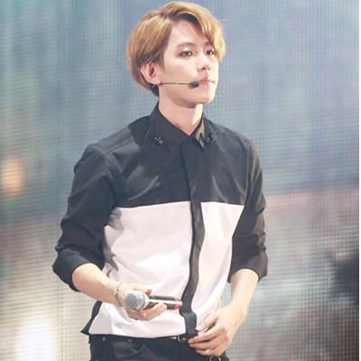 เสื้อเชิ้ตแขนยาวสีขาวดำ EXO แต่งแถบสลับสี เก๋มาก