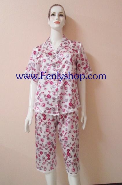 ชุดนอนกางเกางขาสามส่วนผ้าซาติน ขนาดฟรีไซส์ แบบลายดอกสีม่วง รอบอกเสื้อ 40 นิ้ว