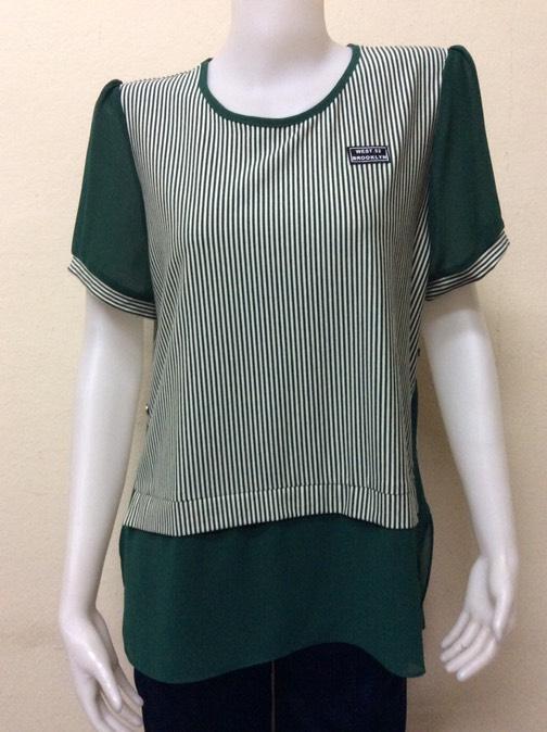 เสื้อคอกลมแขนสั้น สีขาวสลับสีเขียว By MEENA