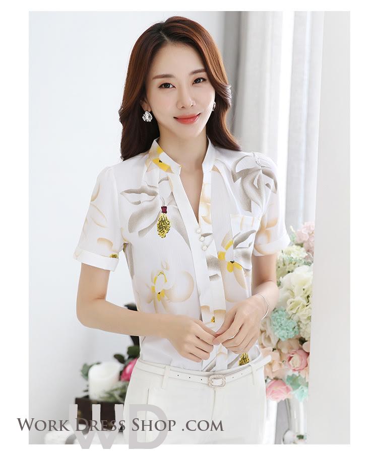 Preorder เสื้อทำงาน คอจีน สีขาว ผ้าพิมพ์ลายดอก เนื้อผ้าระบายอากาศได้ดี แขนสั้น