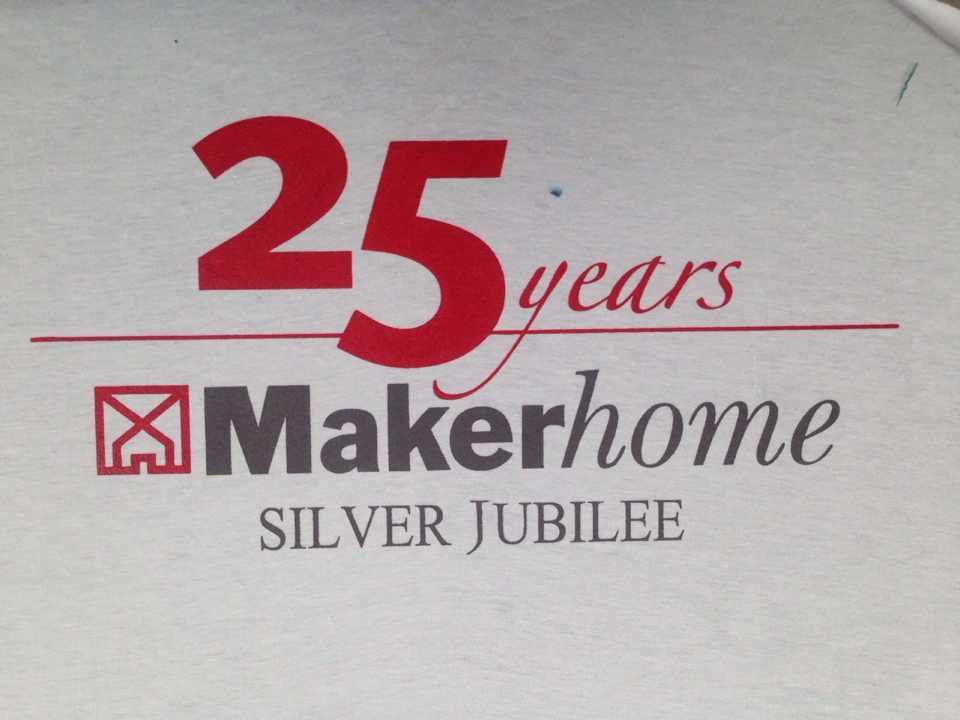 เสื้อคอกลม บริษัท Maker Home
