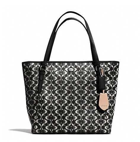 กระเป๋า COACH PEYTON DREAM C ZIP TOP TOTE F27350